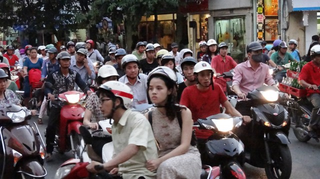 Hanoi bike traffic 23 night